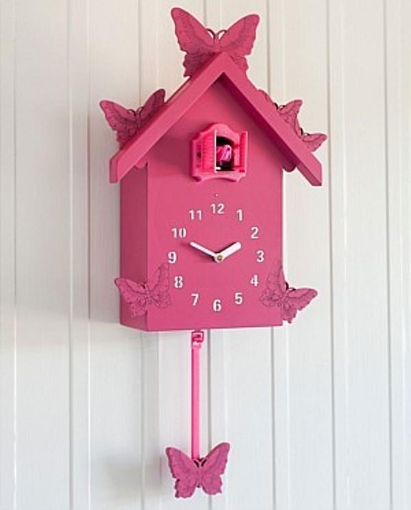 10 cute cuckoo clocks to decorate a nursery room kidsomania. Black Bedroom Furniture Sets. Home Design Ideas