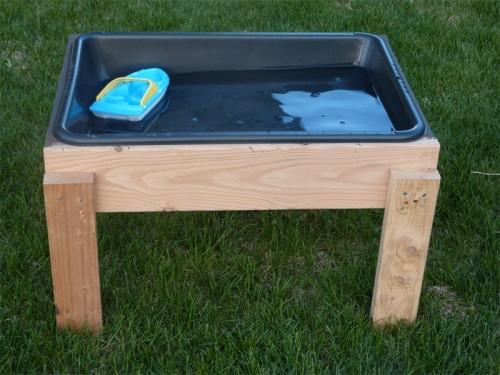 20 cool diy play tables for a kids room kidsomania. Black Bedroom Furniture Sets. Home Design Ideas