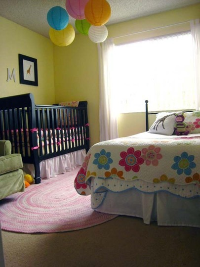 5 cool kids bedrooms with a toddler bed and a crib for Bedroom ideas for girls sharing a small room