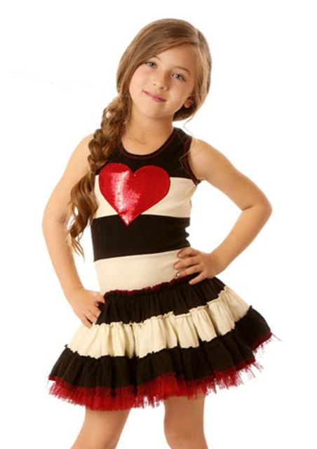 you can also make an applique on pockets of usual daughters clothes itll be so cute and easy happy valentines day - Girls Valentine Outfits