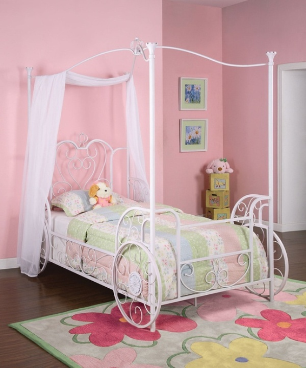 Little Girls Bedroom Furniture: 13 Cool Carriage Beds For Little Girls