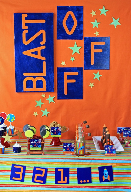 27 best birthday party ideas for boys kidsomania for Decorations for outer space party