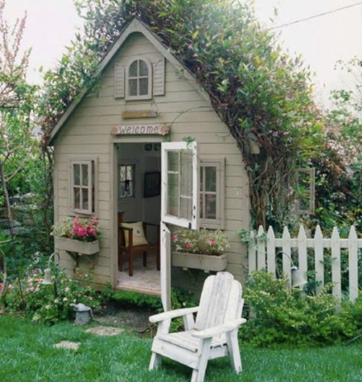 Garden Playhouse Decorating Ideas : New ideas for kids outdoor playhouses kidsomania