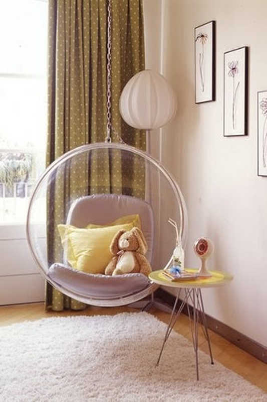 8 wonderful suspended chairs for a children's room