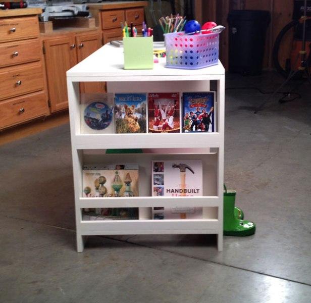 Comfortable DIY Storage Leg Desk For Kids