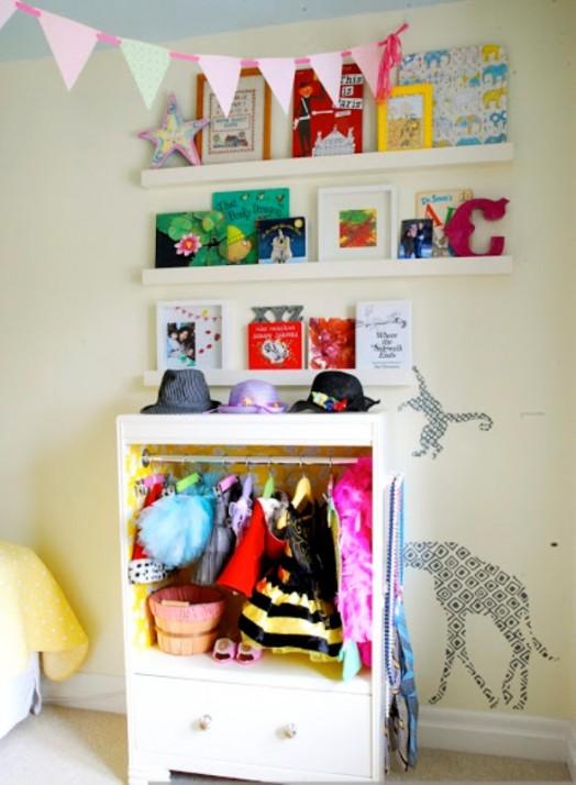 Cute diy children s closet kidsomania for Childrens closet