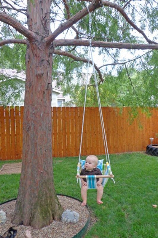diy tree swing for a baby kidsomania. Black Bedroom Furniture Sets. Home Design Ideas
