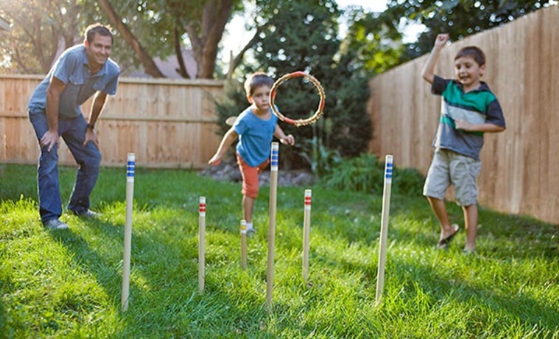 8 cool family outdoor games for a weekend together