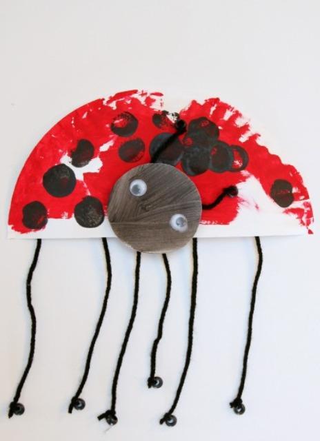 Funny DIY Paper Plate Ladybug  sc 1 st  Kidsomania & Funny DIY Paper Plate Ladybug | Kidsomania