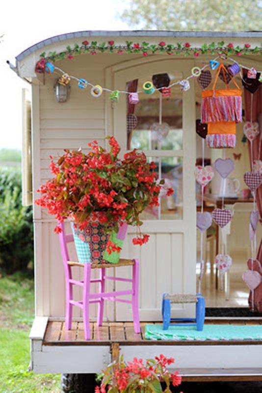 Cool Gipsy Caravan Playhouses For Your Kids   Kidsomania