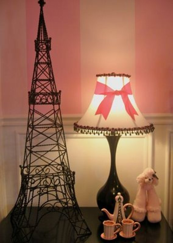 How to create a charming girl s room in paris style for Room decor eiffel tower