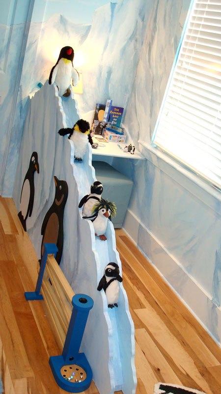 Penguin Theme For A Kid S Bedroom Decor Kidsomania