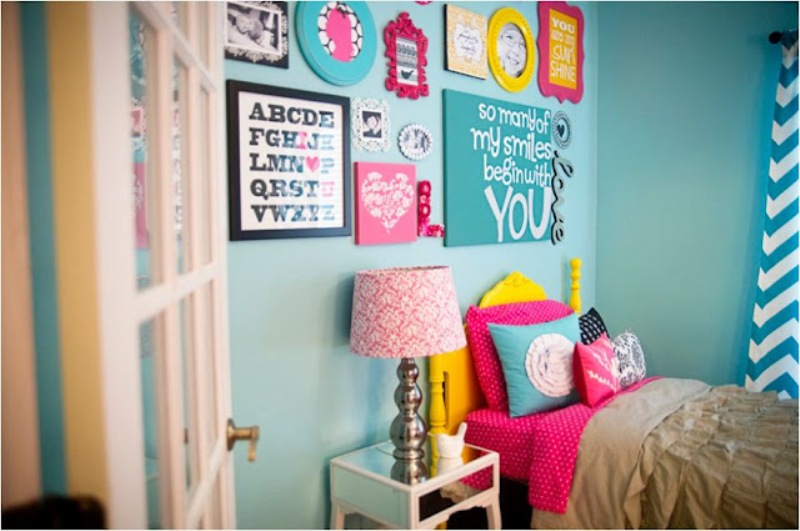 http://www.kidsomania.com/photos/a-bright-bedroom-for-your-teenage-girl-5.jpg