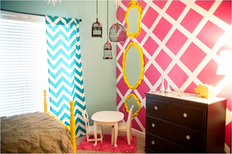 http://www.kidsomania.com/photos/a-bright-bedroom-for-your-teenage-girl-8.jpg
