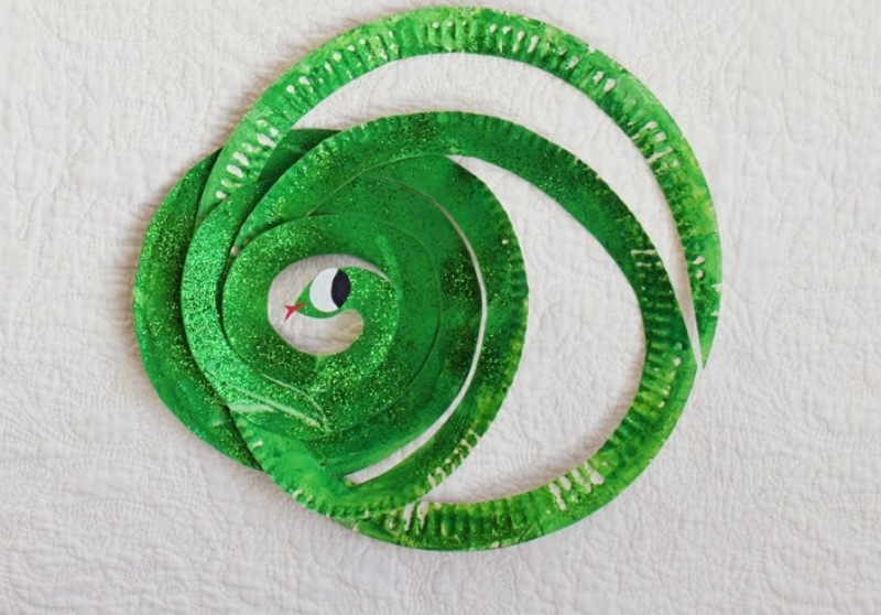 & Adorable DIY Mr Tiger And Mr Snake From Paper Plates | Kidsomania