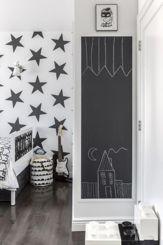 Stylish black and white boys room design kidsomania - Cool and stylish room boys ...
