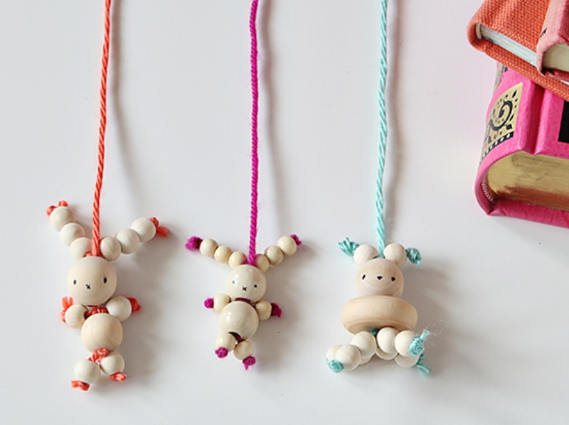 Amusing diy bead bunny bookmark kidsomania for Easter craft ideas to sell