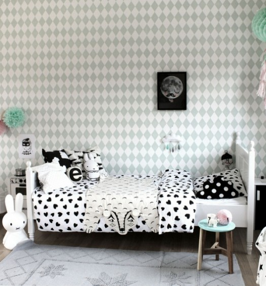 Black And White Whimsy Girl S Bedroom Design With Pops Of
