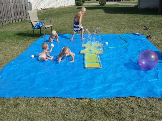 Cool DIY Splash Pad For Your Little Ones' Outdoor Swim ...
