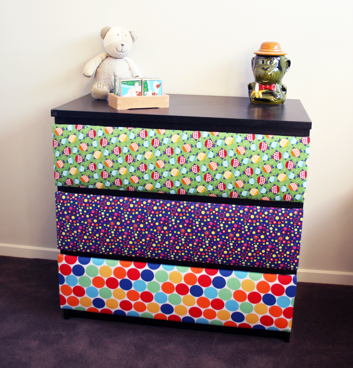 14 cool diy kids room dresser makeovers kidsomania for Scarpiera malm ikea