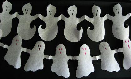 DIY Paper Ghost Garland Via Skiptomylou