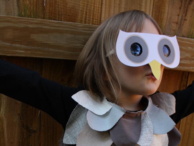 Diy last minute kids owl costume for halloween kidsomania for Mask craft for kids