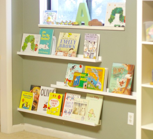 21 cool idea to organize a mini kids library or kids book for Ikea childrens bookshelf