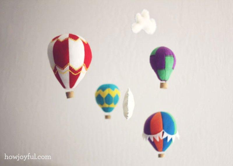 Lovely DIY Felt Hot Air Balloon Mobile   Kidsomania