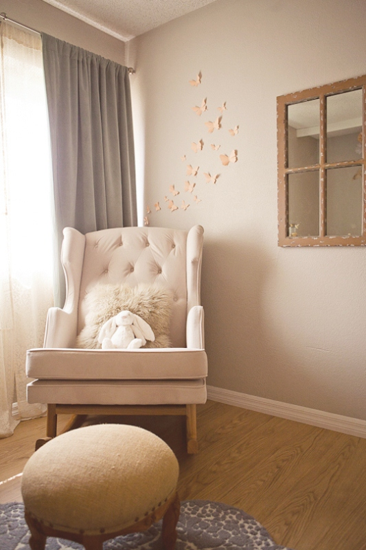 peach and grey nursery design for a baby girl kidsomania. Black Bedroom Furniture Sets. Home Design Ideas