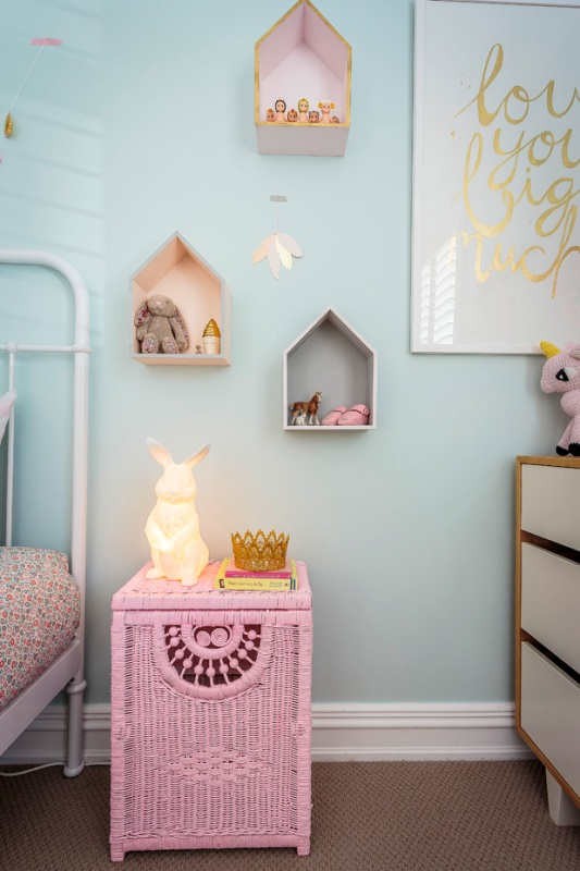 Very lovely and charming pastel girl s bedroom design for Bedroom inspiration pastel